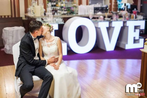 gm events led love table